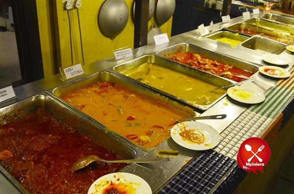 Nasi Campur Restoran Rebung