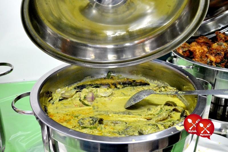 Ikan Keli Masak Lemak Cili Api di Buffet Ramadhan D'Kampung Cafe, Anggerik Mall