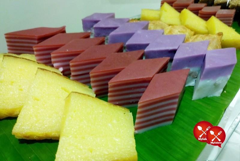 Kuih Muih di di Buffet Ramadhan Pacific Regency Hotel Suites Kuala Lumpur