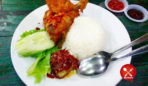 Nasi-Ayam-Penyet-Wong-Solo-Ampang