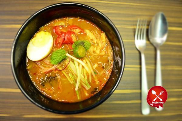 Asam Laksa Super Bowl Delights Sungei Wang Plaza