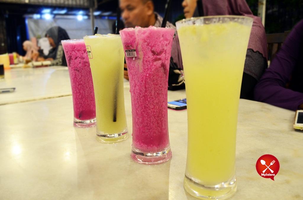 Air Naga dan Belimbing 2di Hazlan Bistro Kuala Terengganu