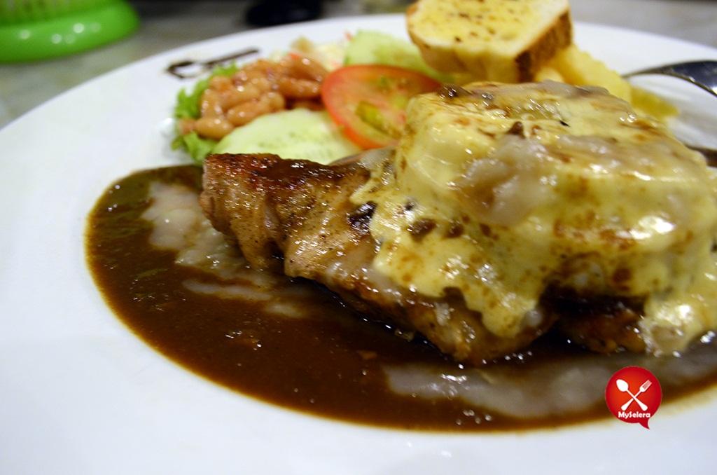 Grill Hawaii Chicken Hazlan Bistro Kuala Terengganu
