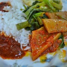 Nasi lemak kukus kangkung lauk sotong