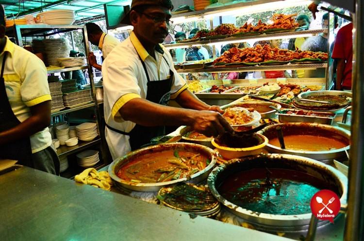 Nasi Kandar Beratur di Original Kayu Nasi Kandar, Penang