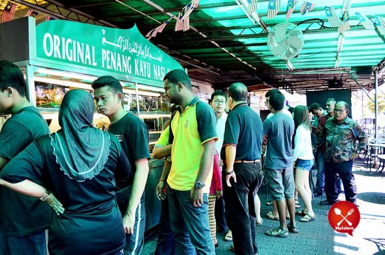 Nasi Kandar Beratur di The Original Kayu Nasi Kandar Penang,