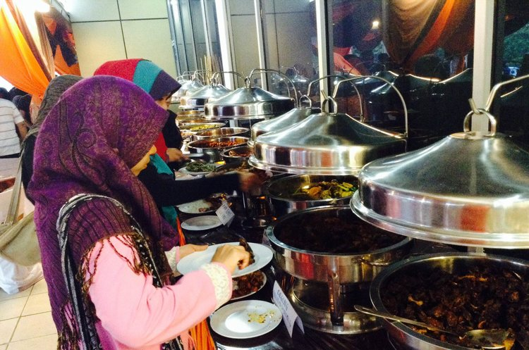 Buffet Ramadhan 2015 D Best Cafe  Anggerik Mall
