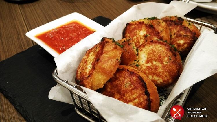 Chicken Toasties Magnum Cafe Kuala Lumpur - 002