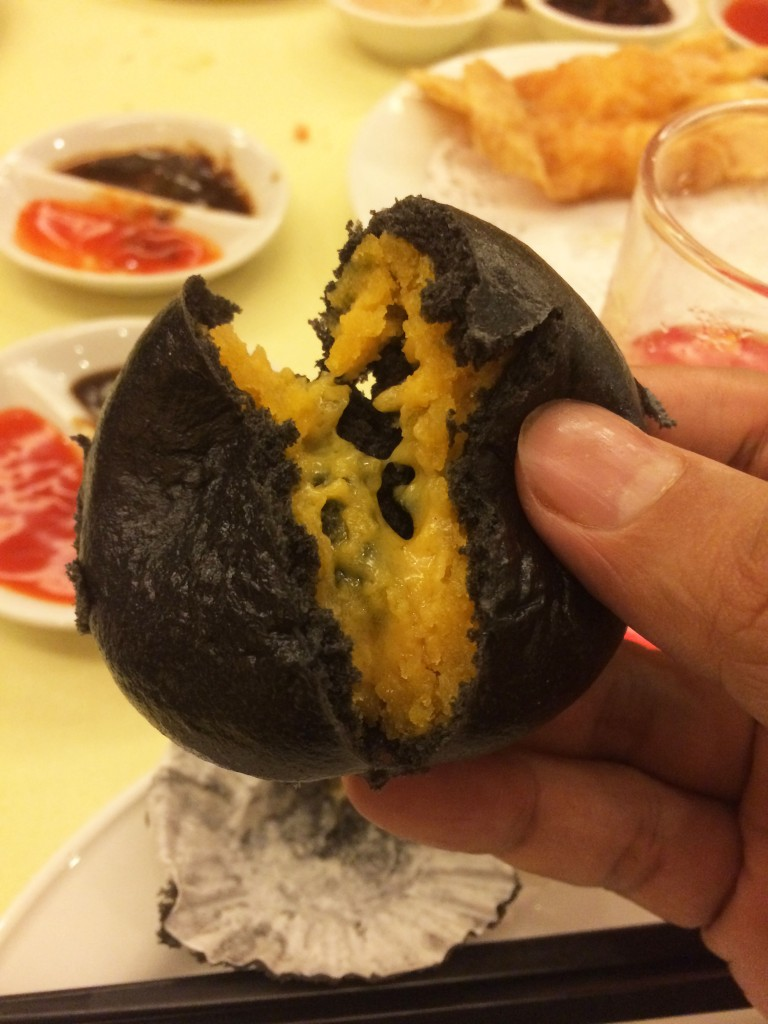 steamed buttered&salted egg yolk bamboo charcoal bun